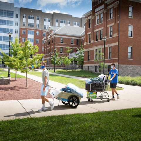 Photo from Fall Move-in. Photo by Mark Cornelison | UKphoto