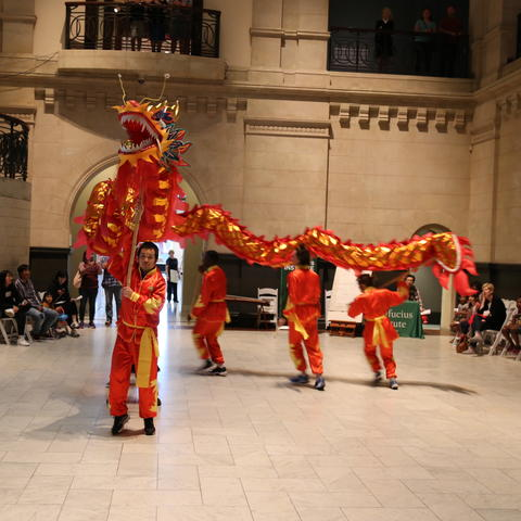 photo of performance by Confucius Institute at Cincinnati Art Museum