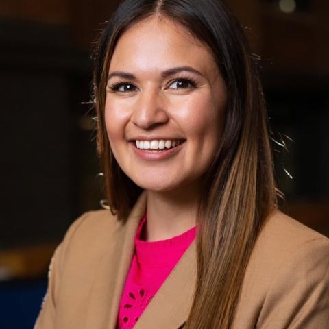 Photo of Elizabeth Harris-Medina