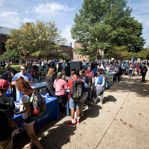 Photo of student organization fair. Mark Cornelison | UK Photo