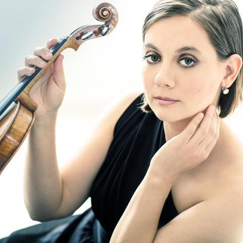 photo of Francesca Anderegg holding violin