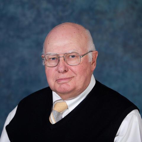 Portrait of Professor Emeritus Karl Raitz