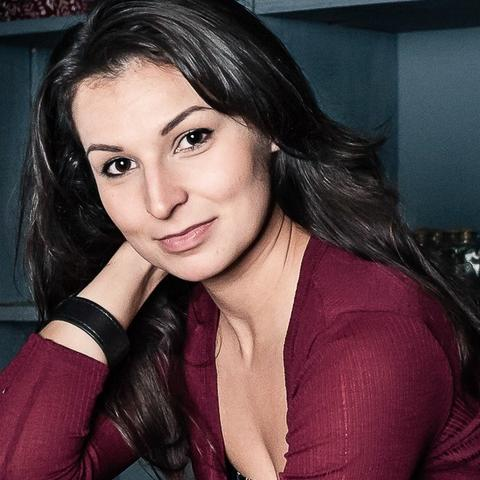 headshot photo of Martyna Majok