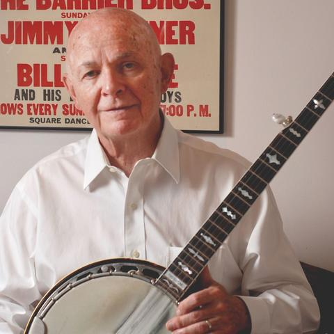 photo of Neil Rosenberg with banjo