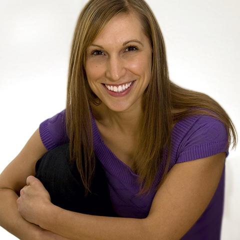 headshot photo of Susie Thiel