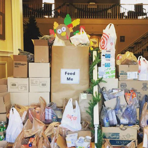 UK Student Alumni Association members are organizing Thanksgiving food drivedrive