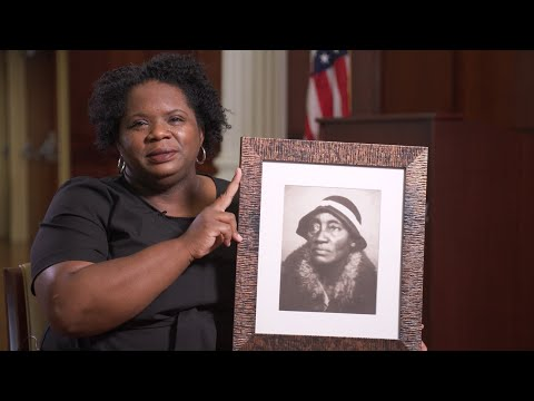 Thumbnail of video for 'Juneteenth Means Everything to Me': UK Scholar Melynda Price Discusses Importance of Juneteenth Holiday
